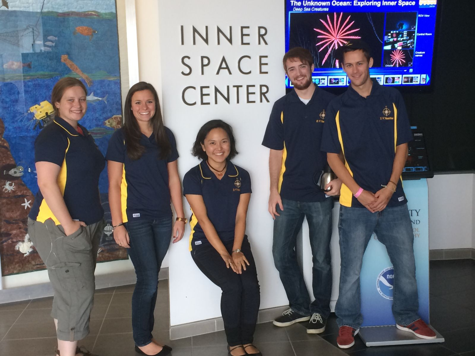 GLG students at Inner Space Center